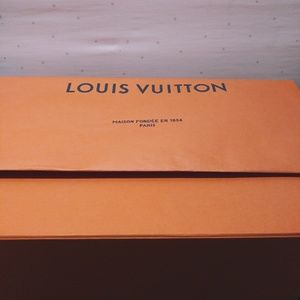 Louis Vuitton Other - Louis Vuitton Jumbo Magnetic Flap Box and Bag